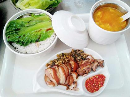 隆江豬腳飯